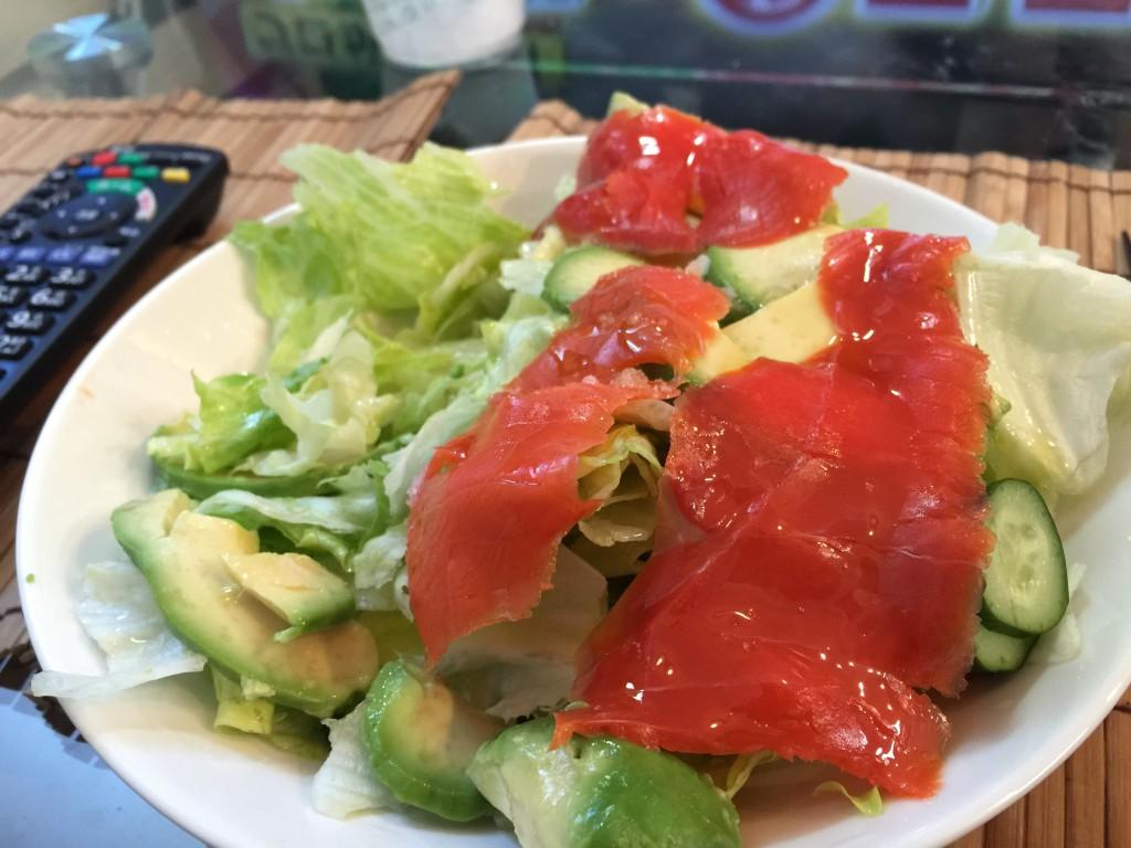 スモークサーモンとアボカドのサラダ | シリコンバレー式自分を変える最強の食事