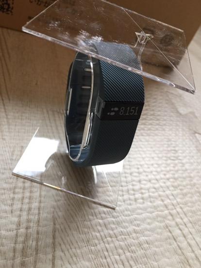 """運動不足の起業家におすすめする、強制的運動マシーン""""Fitbit Charge""""で歩数を記録して運動のモチベーションを上げよう!"""